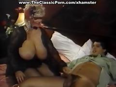 testing the aroma retro pussy