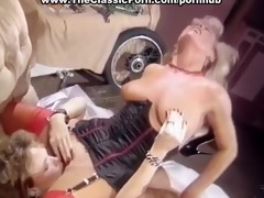 lesbo facesitting and doggy fuck