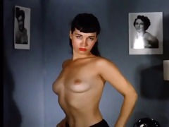 vintage betty undressing