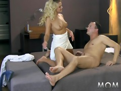 mama blond d like to fuck bonks her stud