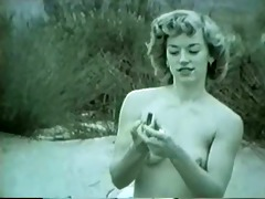 pin-up hotty in the desert